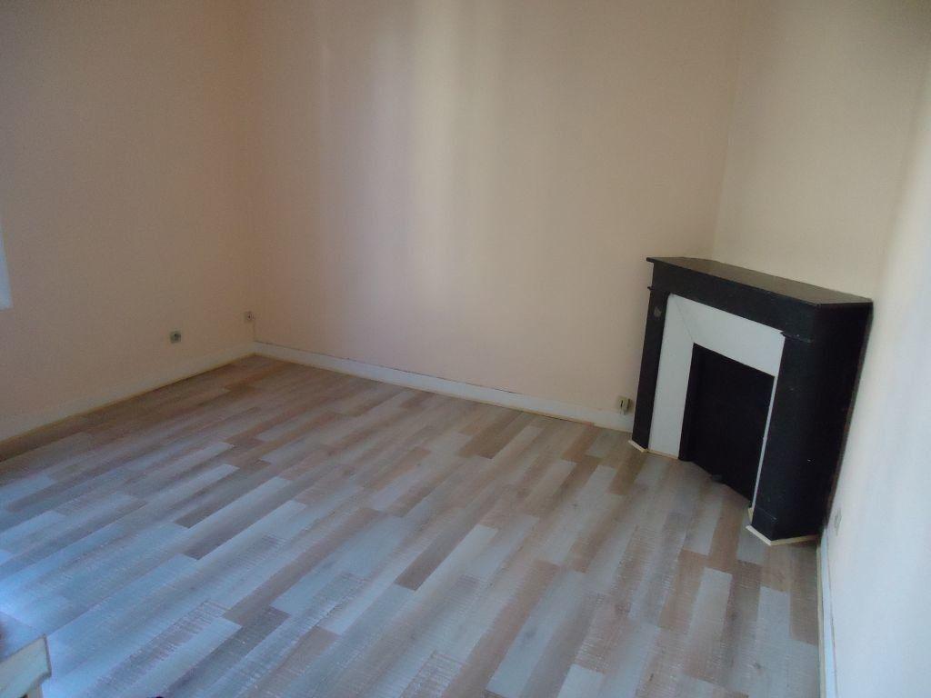 Appartement à louer 1 15.65m2 à Compiègne vignette-1