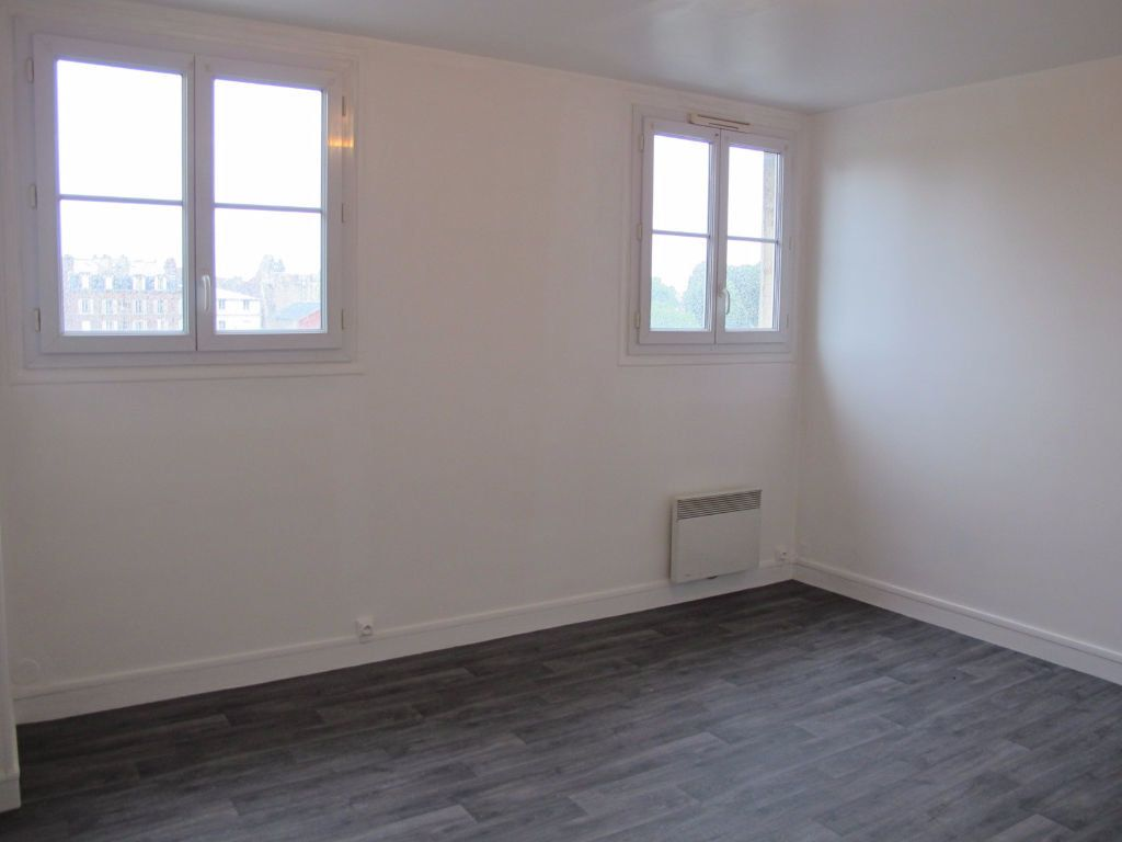 Appartement à louer 3 51.8m2 à Compiègne vignette-1