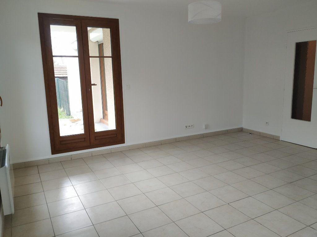Appartement à louer 3 68.16m2 à Compiègne vignette-5