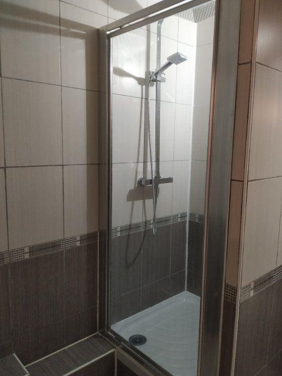 Appartement à louer 3 68.16m2 à Compiègne vignette-6