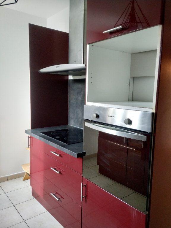 Appartement à louer 3 68.16m2 à Compiègne vignette-7