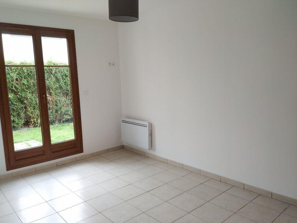 Appartement à louer 3 68.16m2 à Compiègne vignette-9