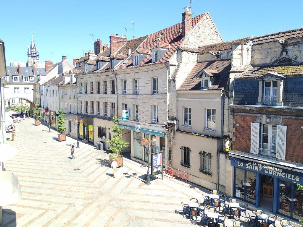Appartement à louer 2 34.28m2 à Compiègne vignette-6