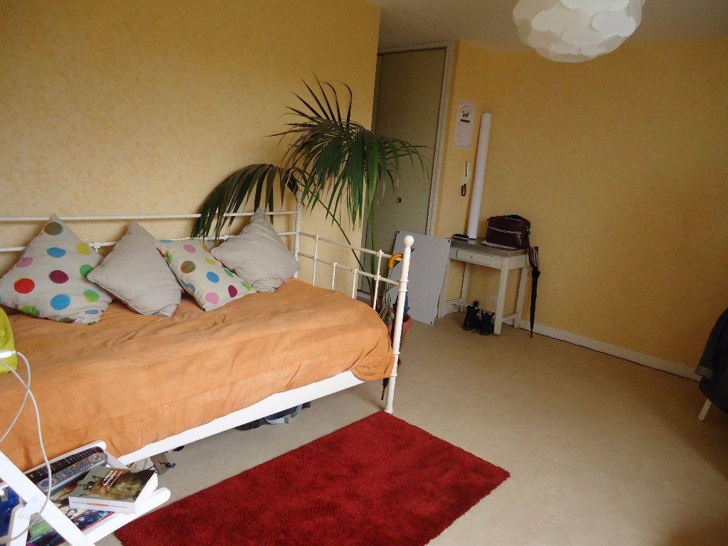Appartement à louer 1 27.98m2 à Compiègne vignette-2