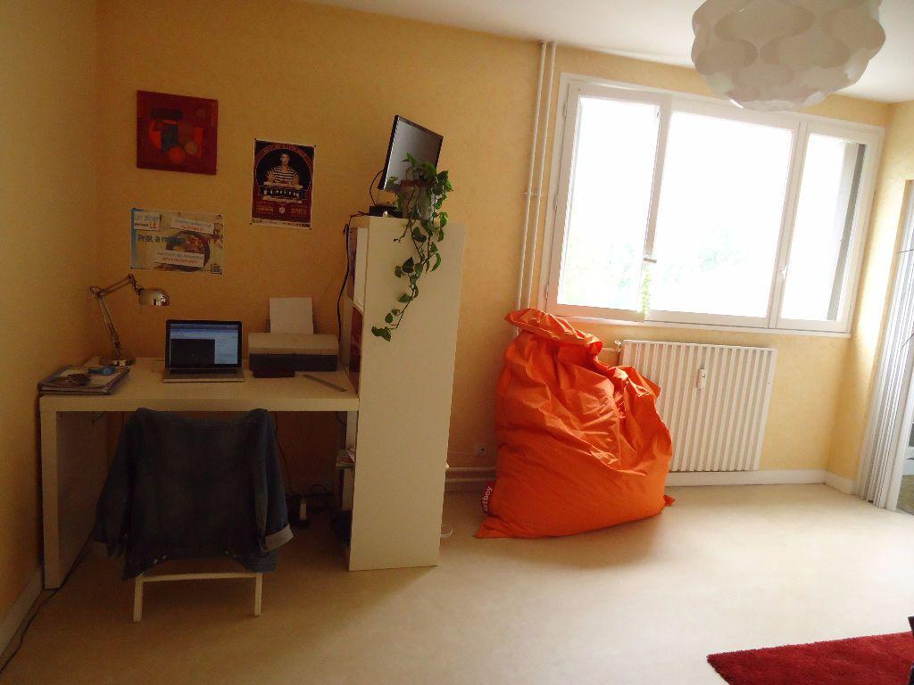 Appartement à louer 1 27.98m2 à Compiègne vignette-3