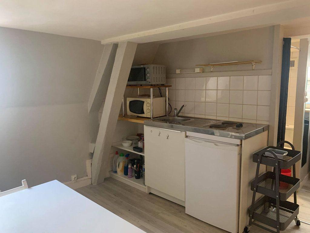 Appartement à louer 1 17.3m2 à Compiègne vignette-3