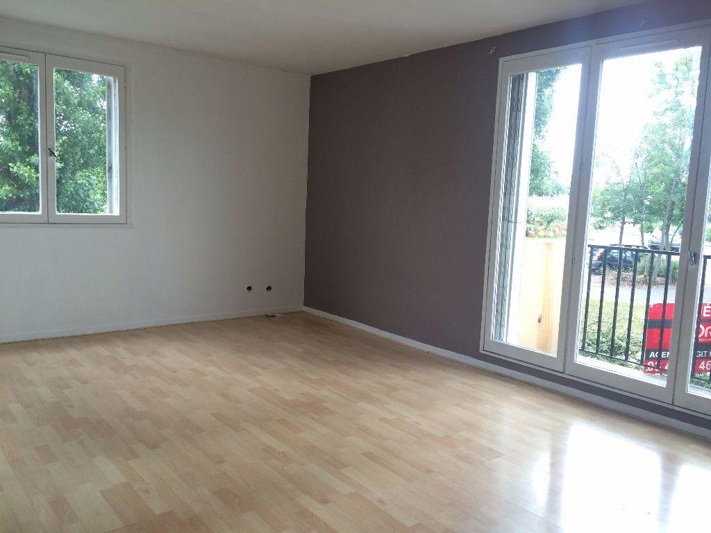 Appartement à louer 1 33m2 à Compiègne vignette-2
