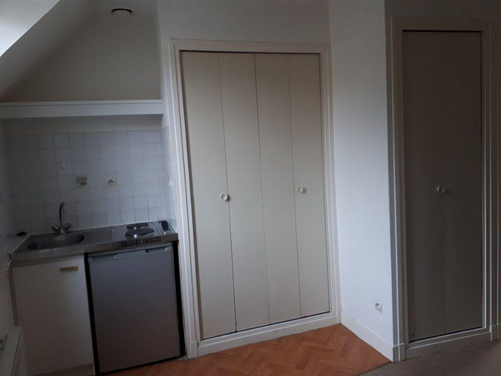 Appartement à louer 1 13.66m2 à Compiègne vignette-3
