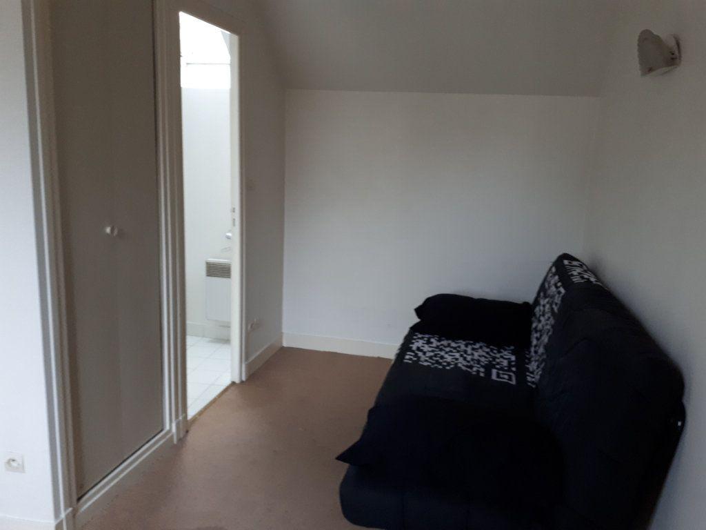 Appartement à louer 1 13.66m2 à Compiègne vignette-6