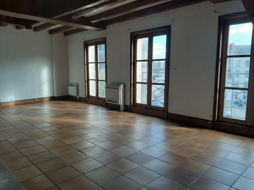 Appartement à louer 5 156.45m2 à Compiègne vignette-4