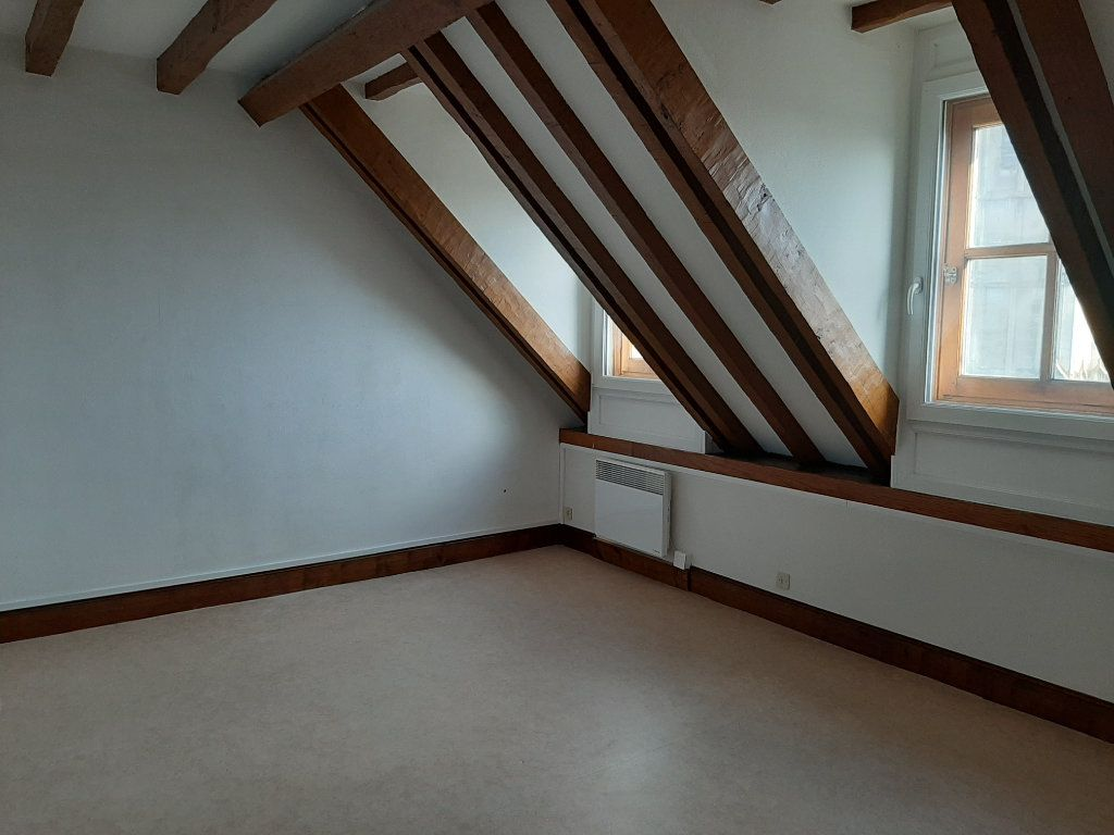 Appartement à louer 5 156.45m2 à Compiègne vignette-6