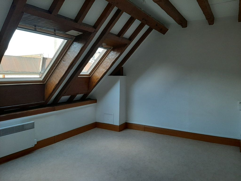 Appartement à louer 5 156.45m2 à Compiègne vignette-7