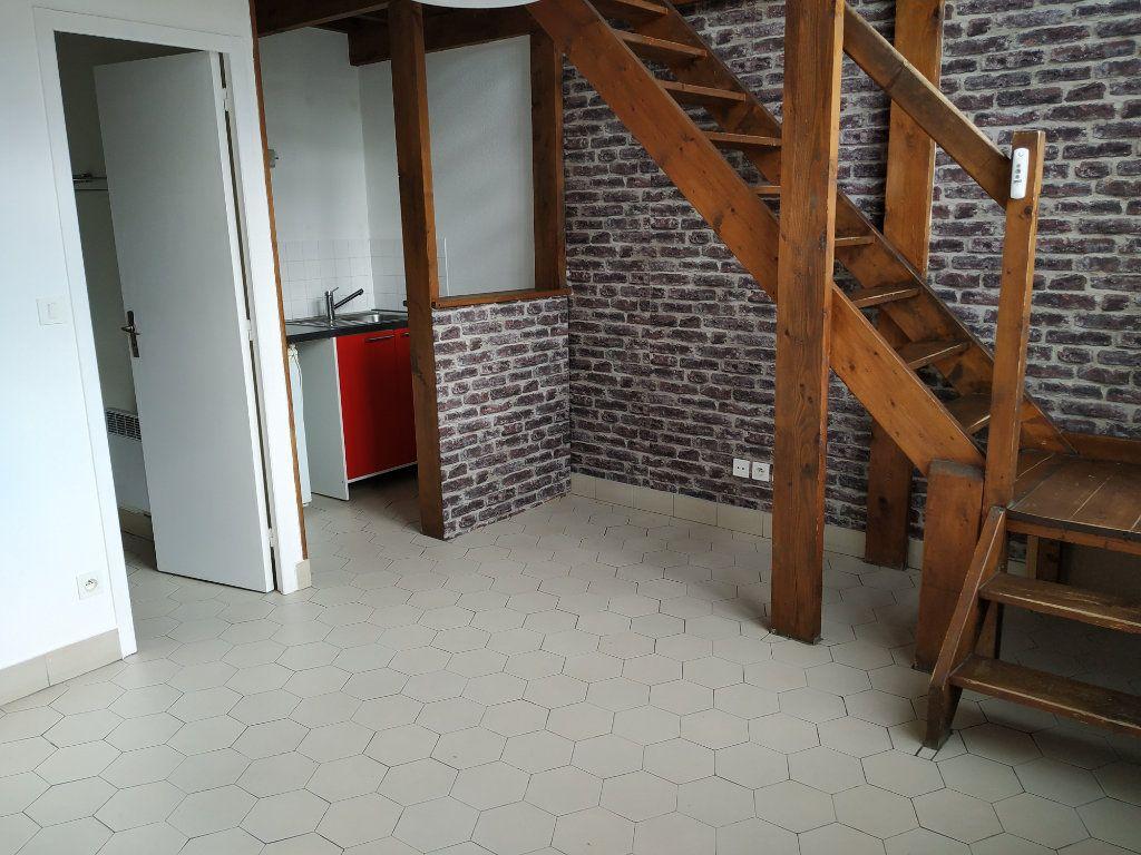 Appartement à louer 2 34.79m2 à Compiègne vignette-2