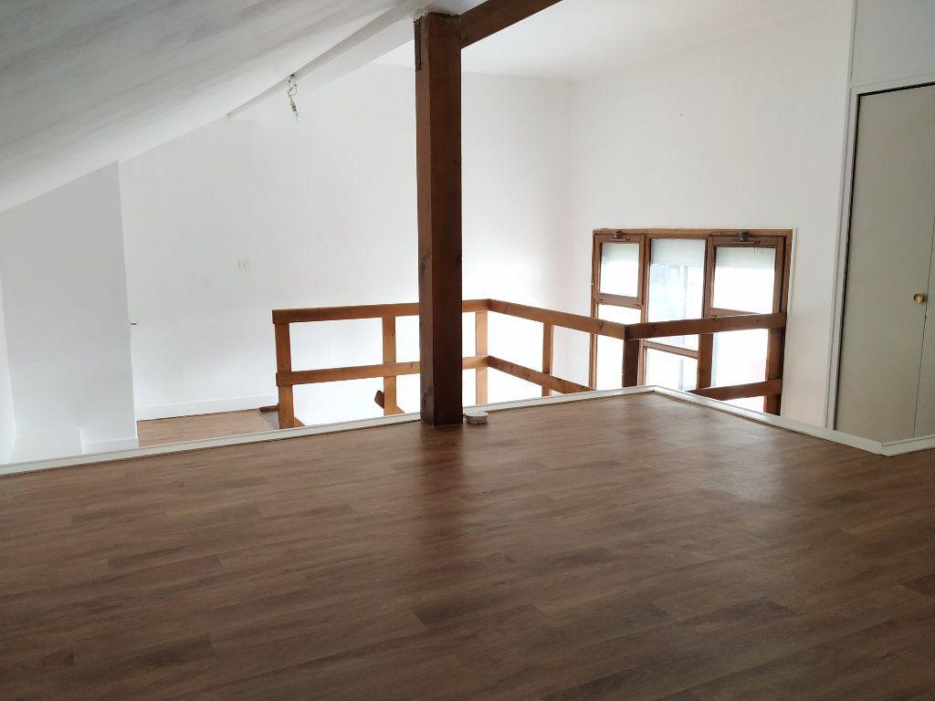 Appartement à louer 2 34.79m2 à Compiègne vignette-4