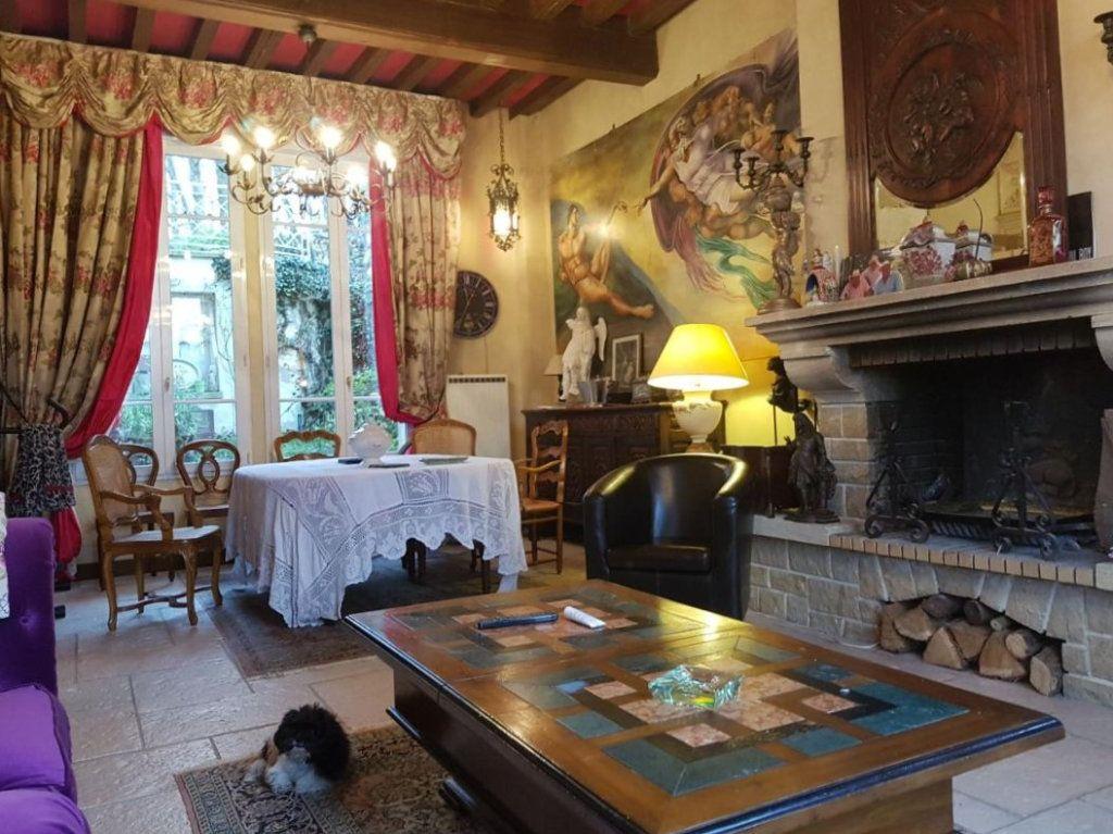Maison à vendre 7 230m2 à Pierrefonds vignette-2