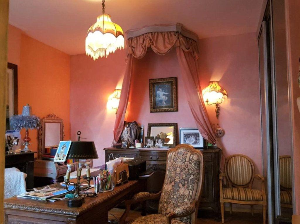 Maison à vendre 7 230m2 à Pierrefonds vignette-6