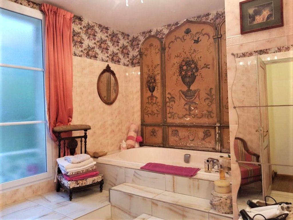 Maison à vendre 7 230m2 à Pierrefonds vignette-8