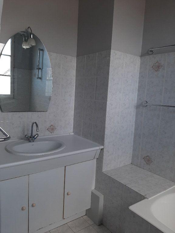 Appartement à louer 4 82.45m2 à Compiègne vignette-5