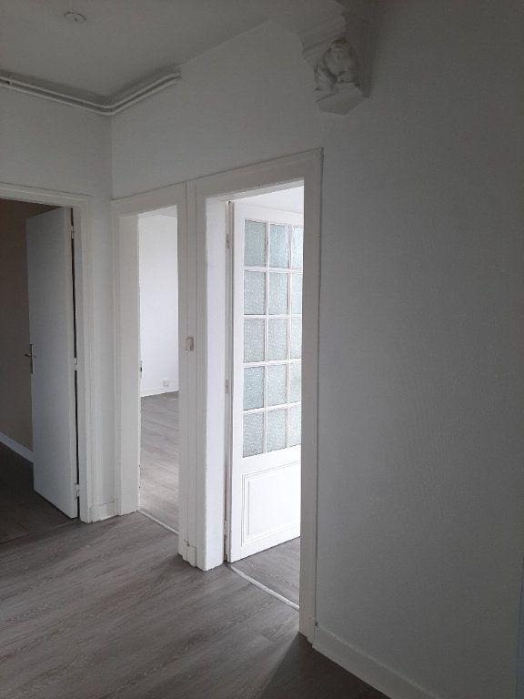 Appartement à louer 4 82.45m2 à Compiègne vignette-8