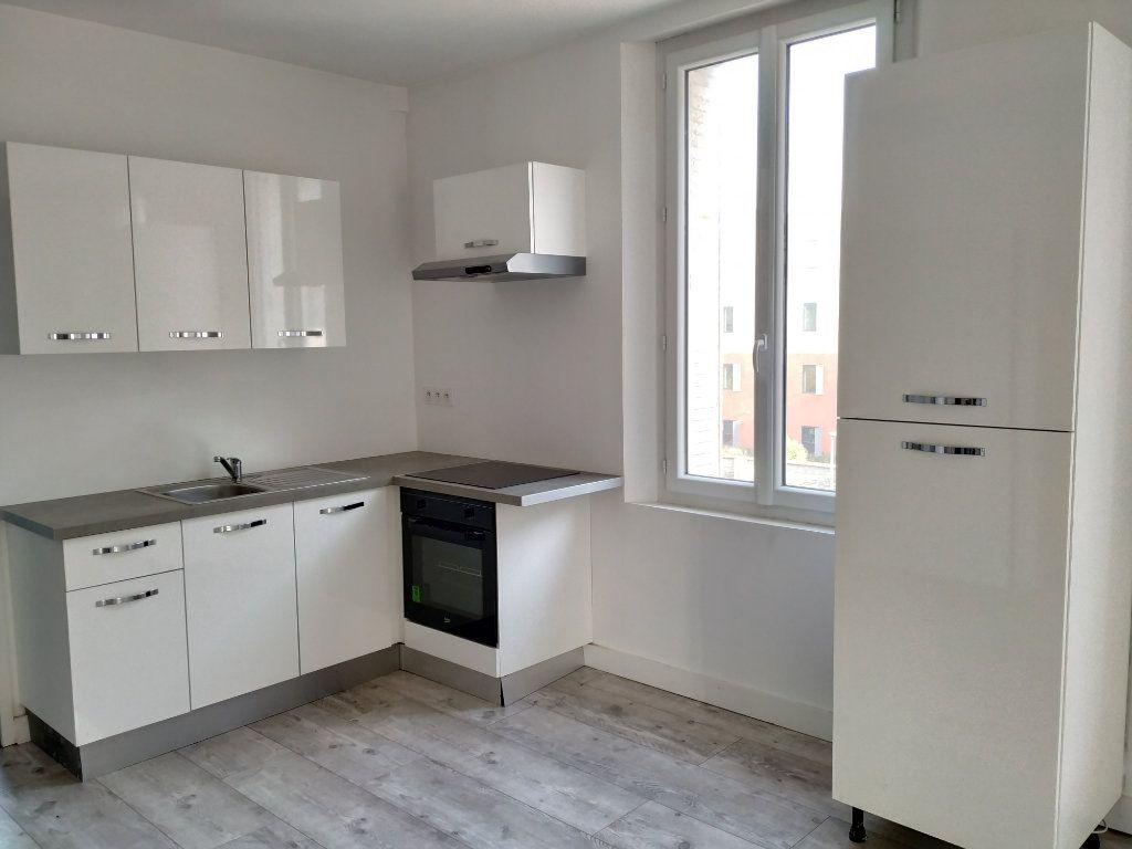 Appartement à louer 3 45.27m2 à Margny-lès-Compiègne vignette-1