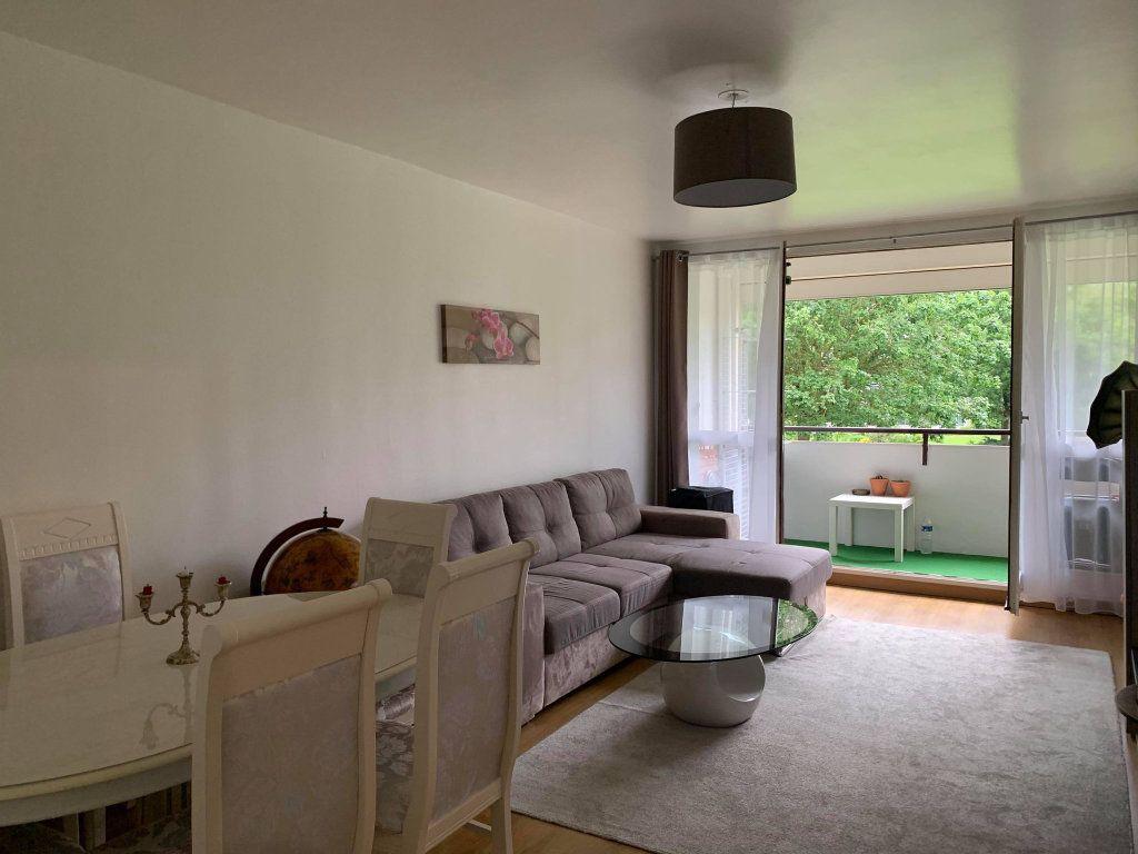 Appartement à louer 2 63.47m2 à Compiègne vignette-1