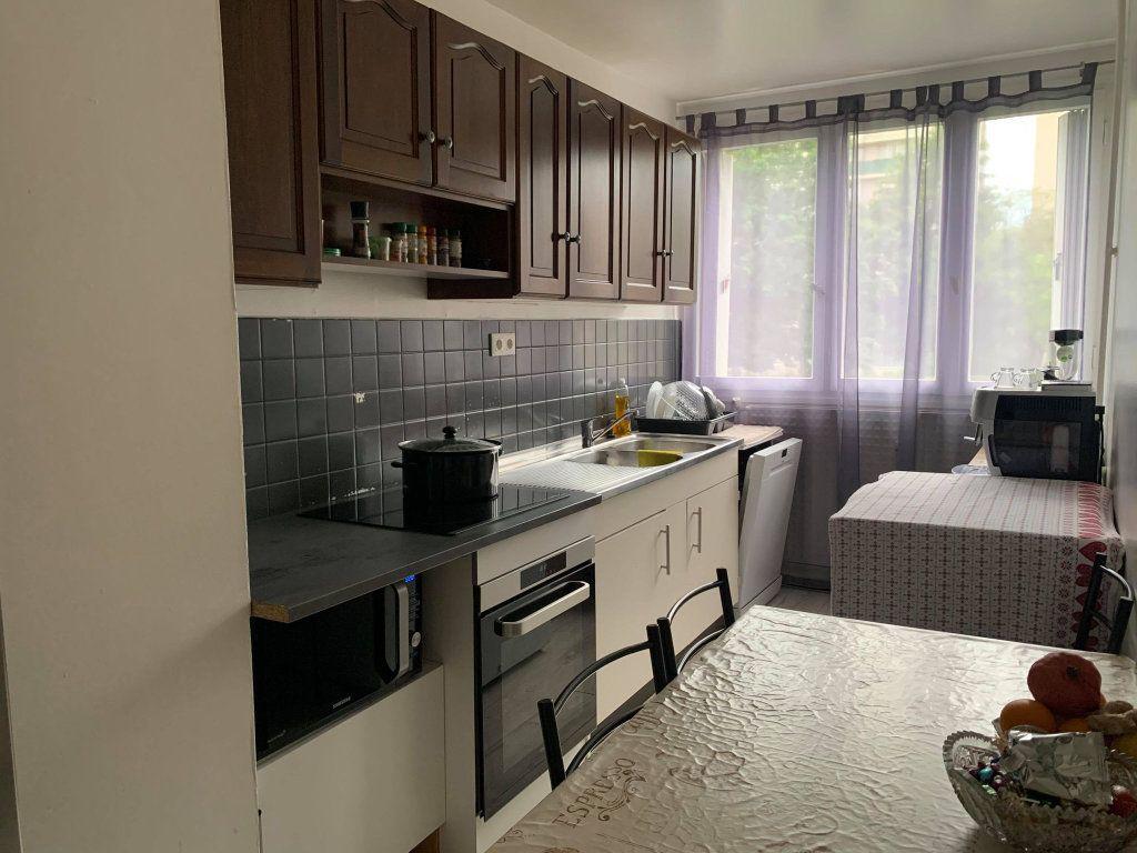 Appartement à louer 2 63.47m2 à Compiègne vignette-2
