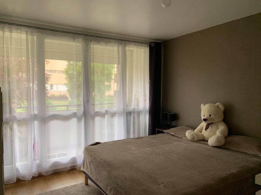 Appartement à louer 2 63.47m2 à Compiègne vignette-3