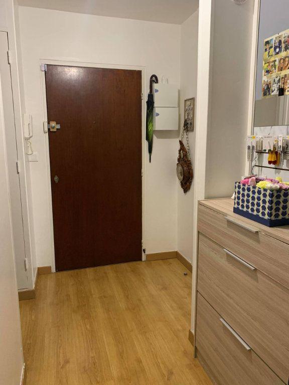 Appartement à louer 2 63.47m2 à Compiègne vignette-5