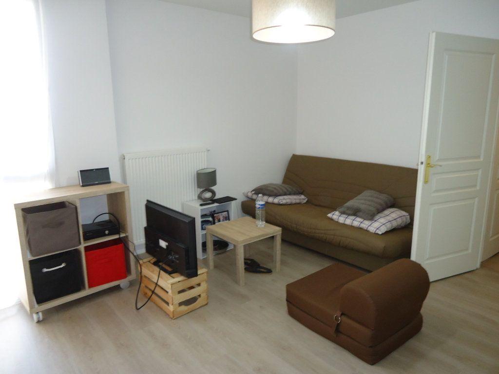 Appartement à louer 1 32.23m2 à Compiègne vignette-2