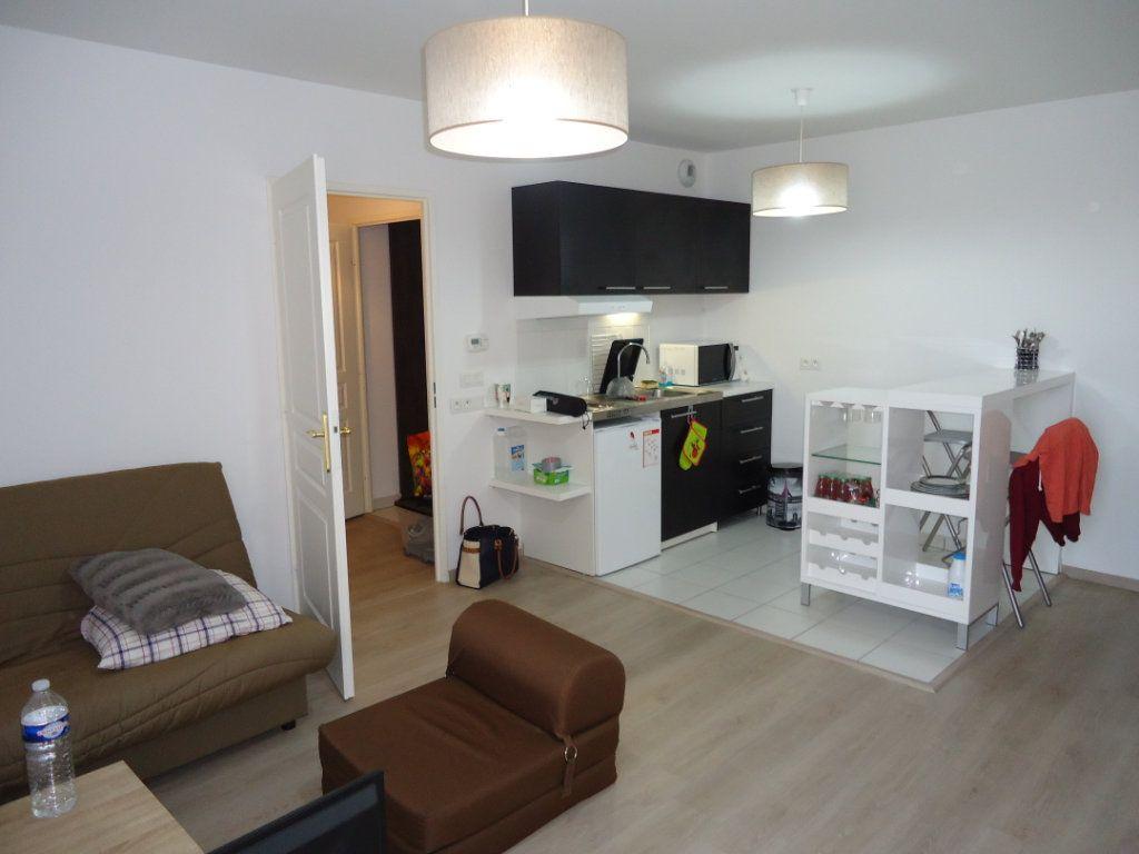 Appartement à louer 1 32.23m2 à Compiègne vignette-3
