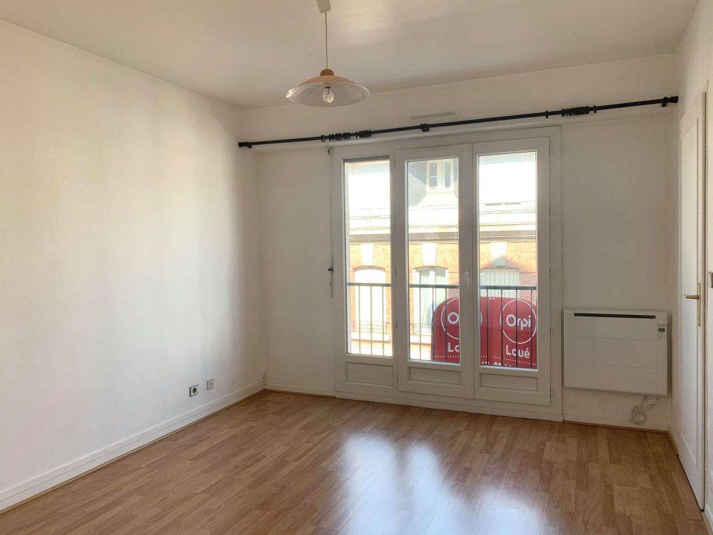 Appartement à louer 1 29.77m2 à Compiègne vignette-1