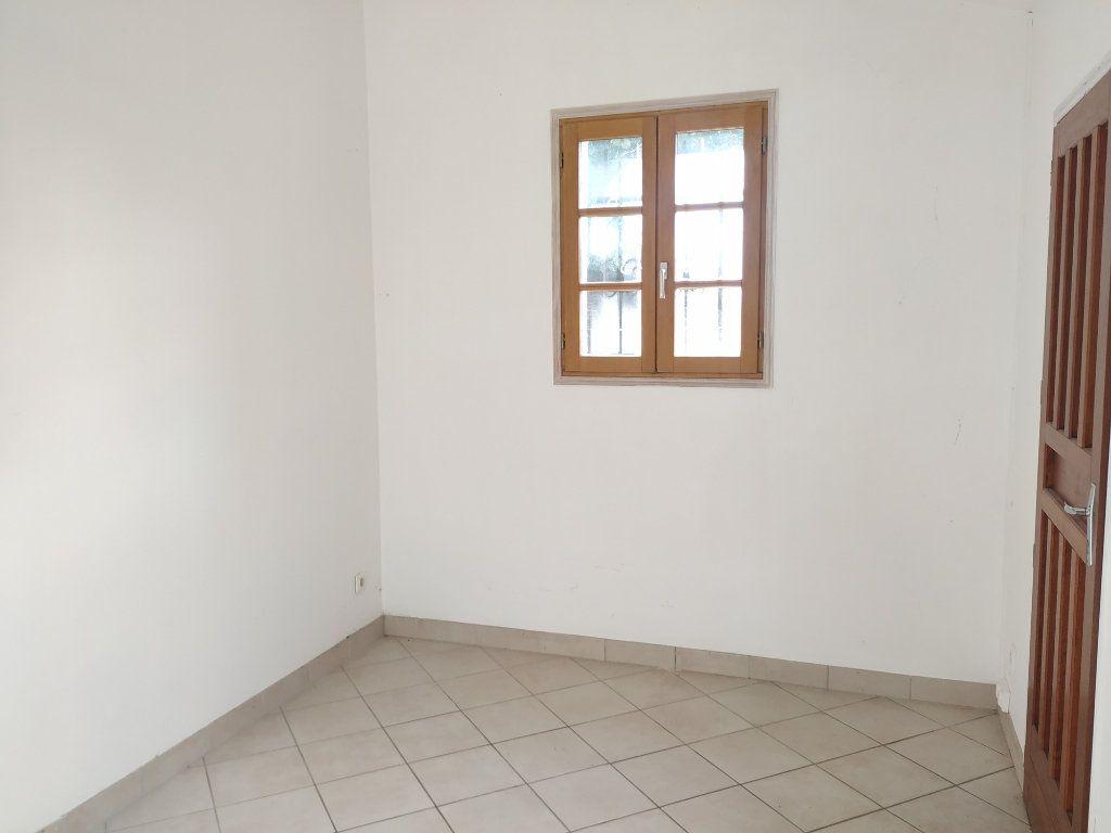 Maison à louer 6 123.84m2 à Compiègne vignette-9
