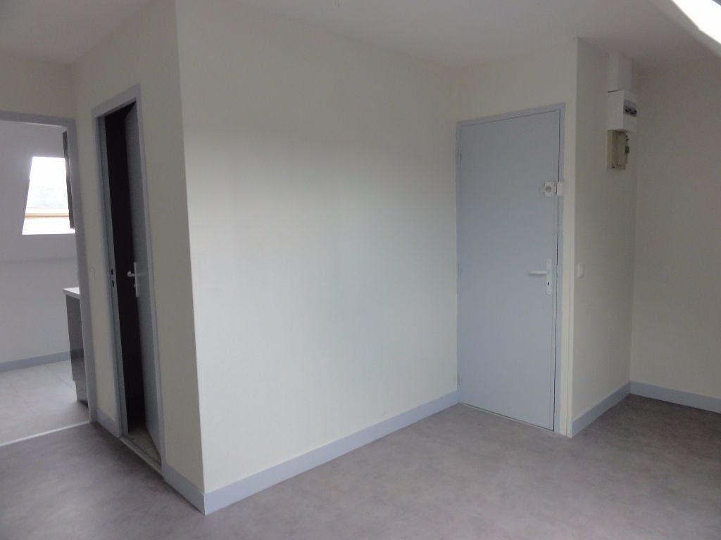 Appartement à louer 1 17.41m2 à Cuise-la-Motte vignette-2
