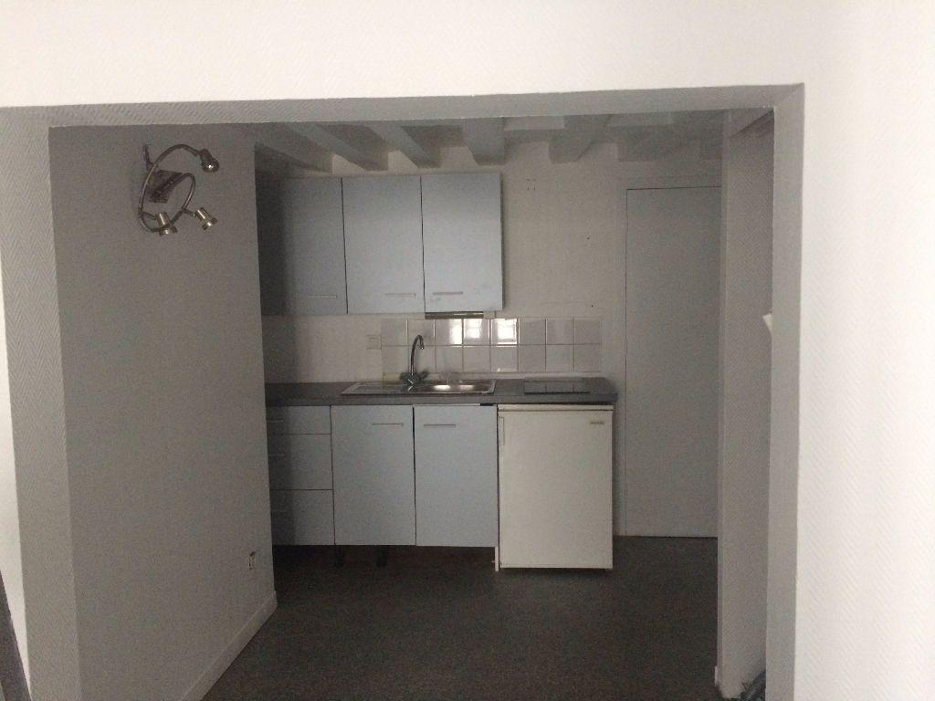 Appartement à louer 2 33.94m2 à Compiègne vignette-1