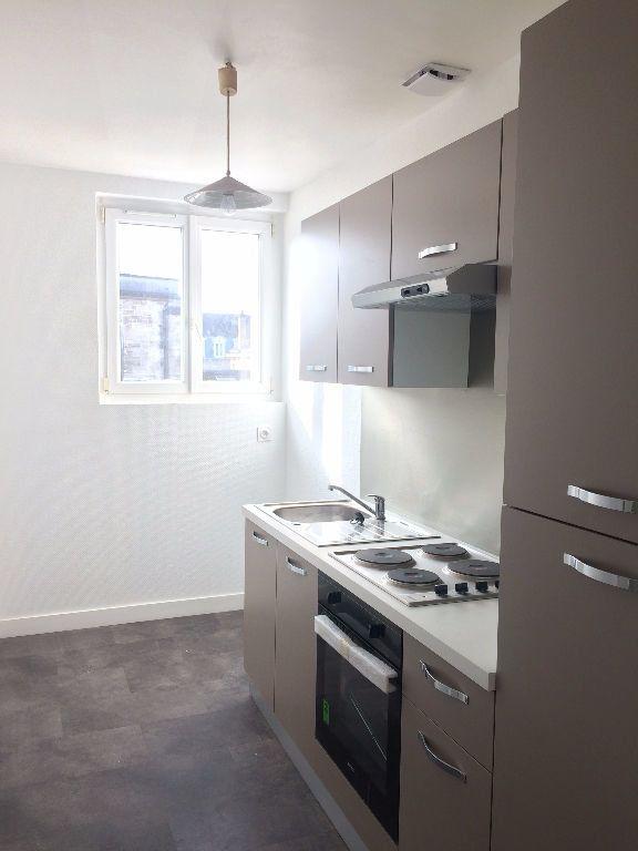 Appartement à louer 2 49.61m2 à Compiègne vignette-1