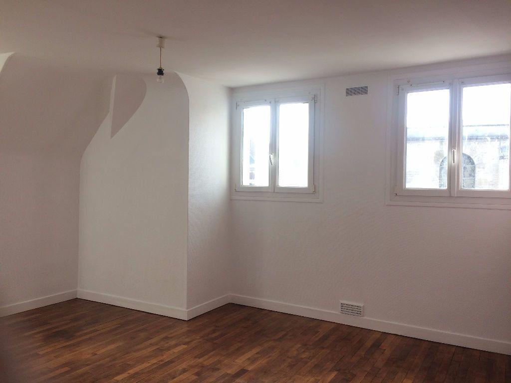 Appartement à louer 2 49.61m2 à Compiègne vignette-3