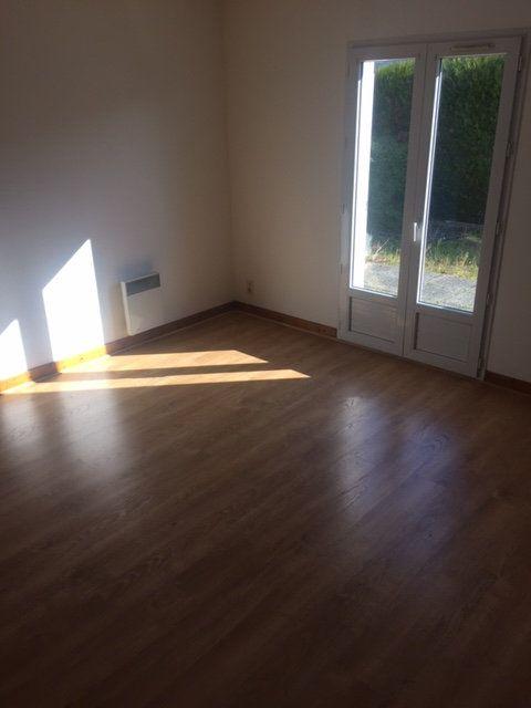 Appartement à louer 1 30.51m2 à Compiègne vignette-3