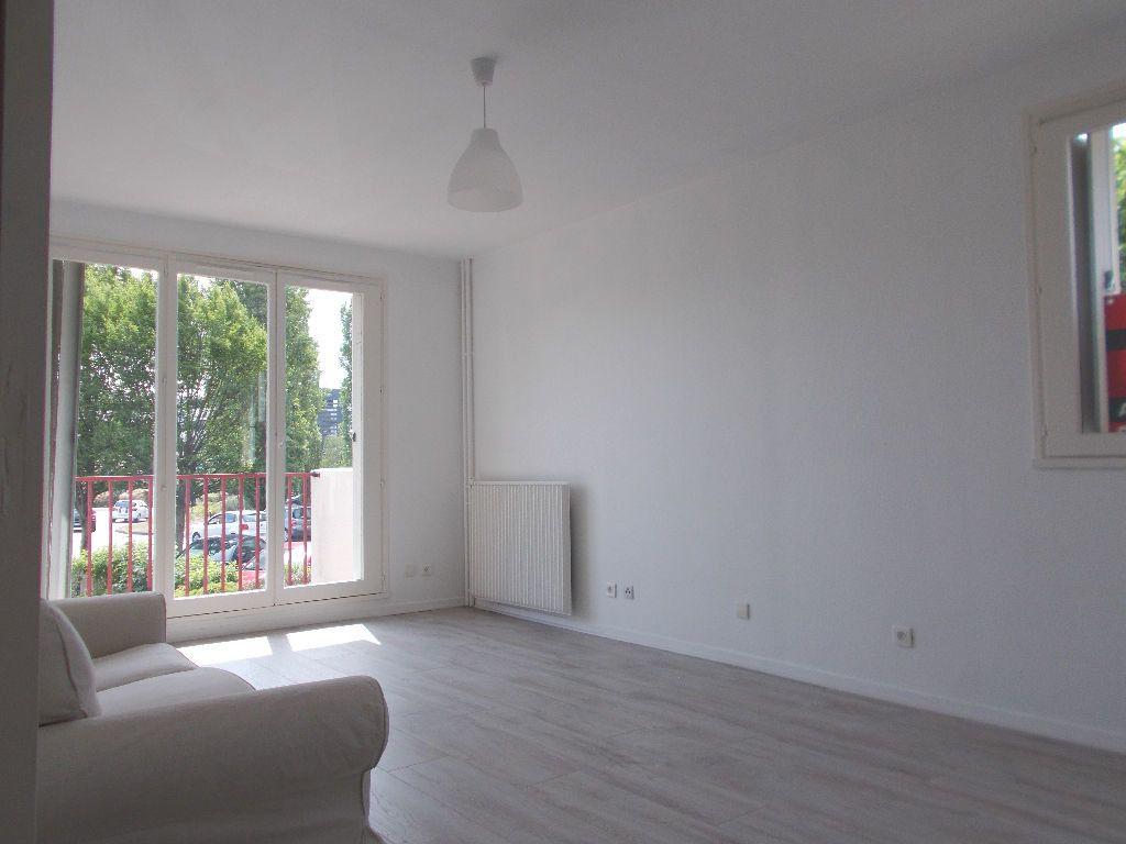 Appartement à louer 2 48.81m2 à Compiègne vignette-1