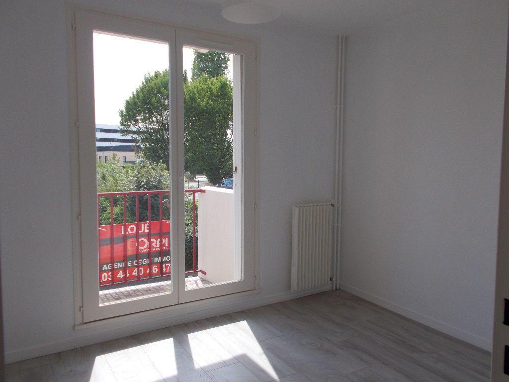 Appartement à louer 2 48.81m2 à Compiègne vignette-3