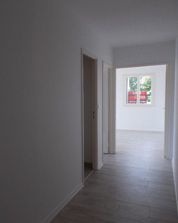 Appartement à louer 2 48.81m2 à Compiègne vignette-4