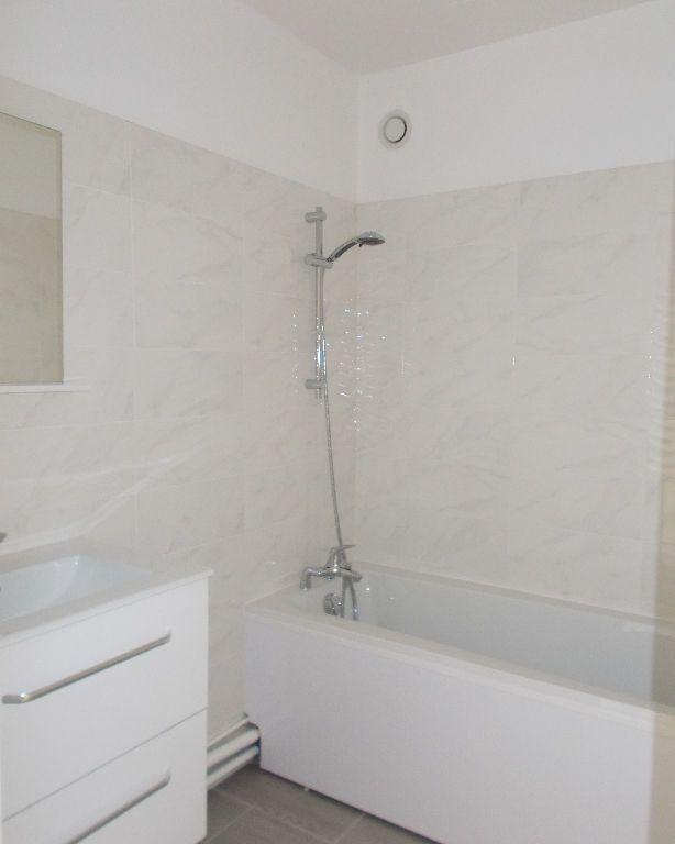Appartement à louer 2 48.81m2 à Compiègne vignette-5
