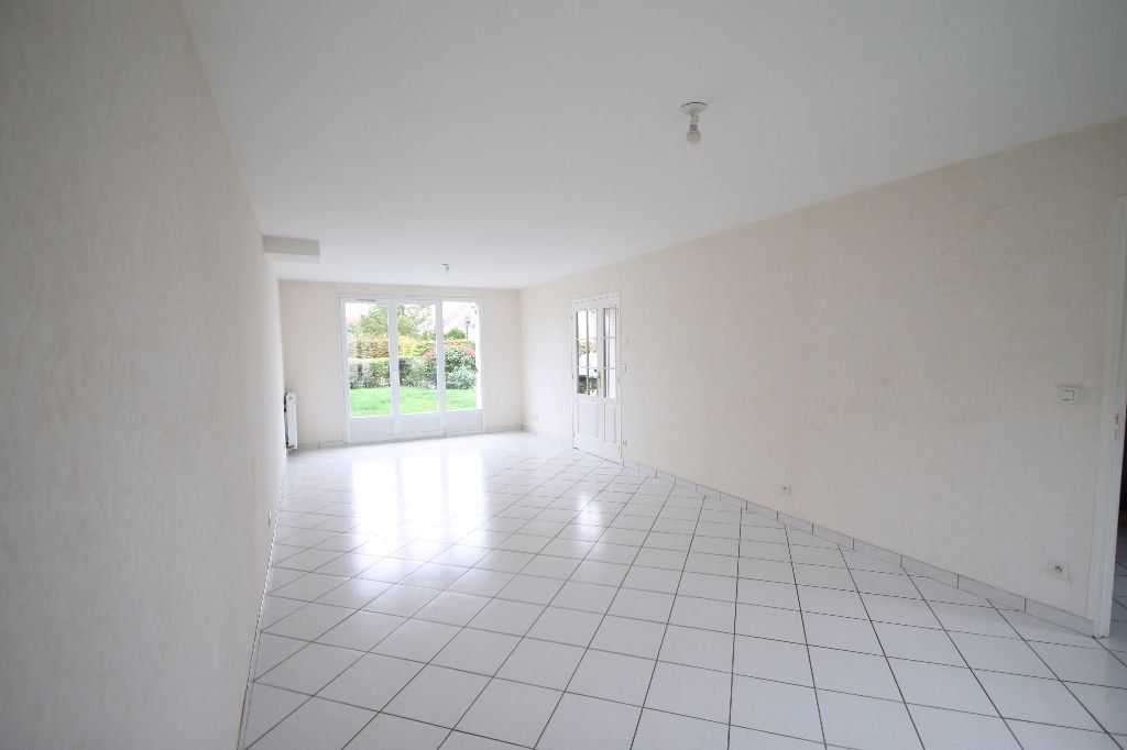 Maison à vendre 6 126m2 à Compiègne vignette-2