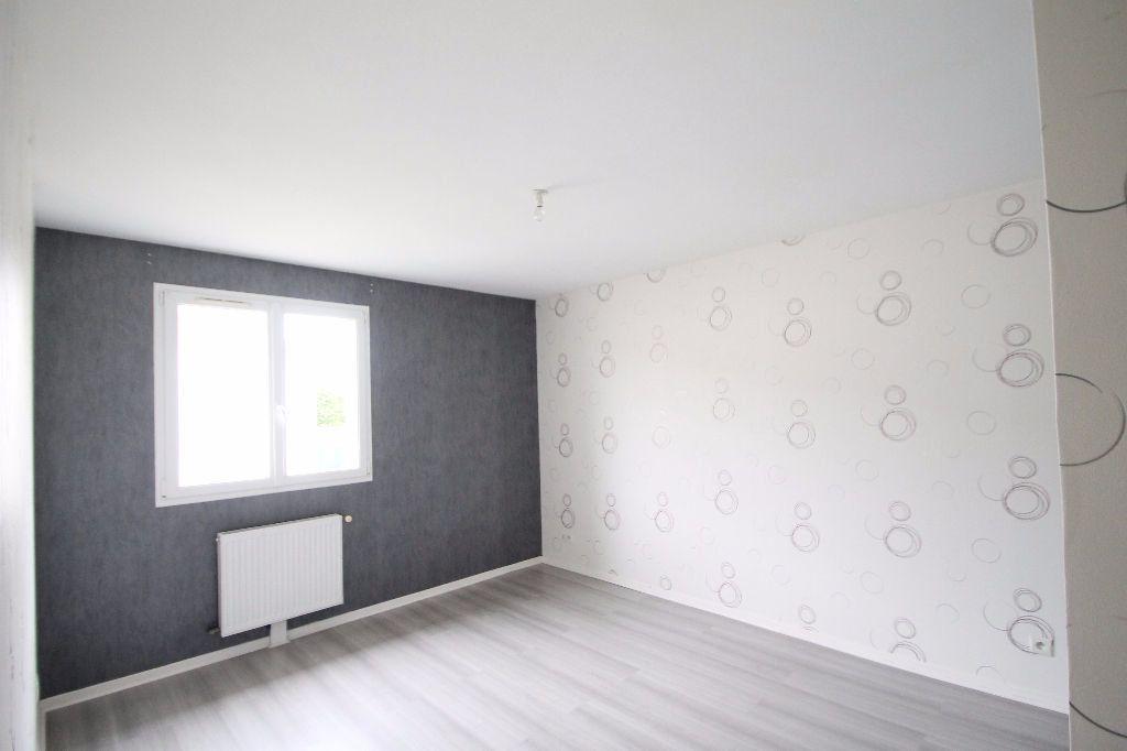 Maison à vendre 6 126m2 à Compiègne vignette-4