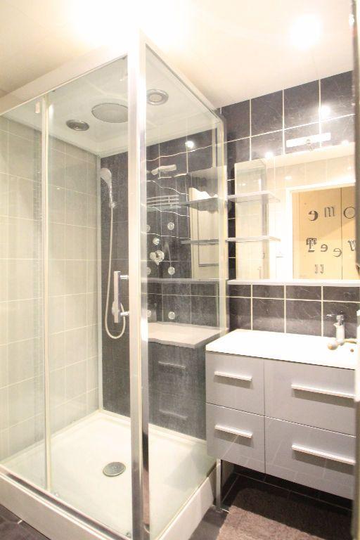 Appartement à vendre 3 71m2 à Compiègne vignette-3