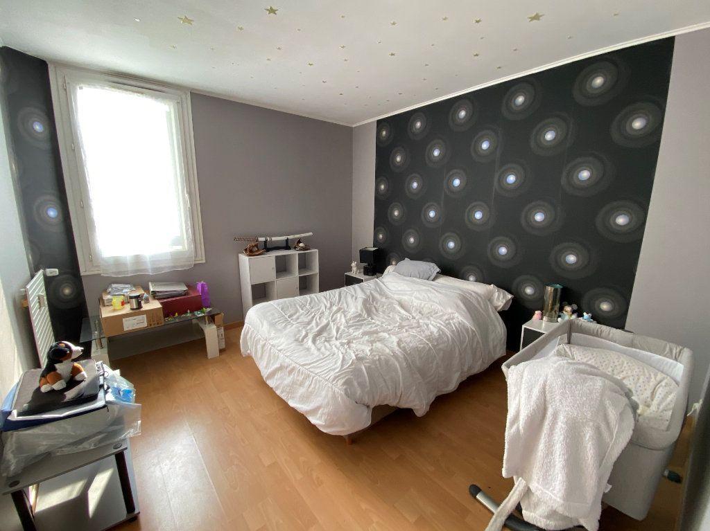 Appartement à vendre 3 71m2 à Compiègne vignette-4
