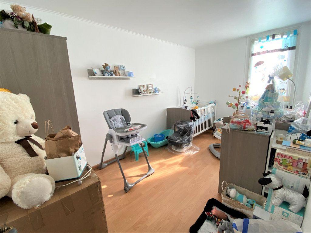 Appartement à vendre 3 71m2 à Compiègne vignette-5