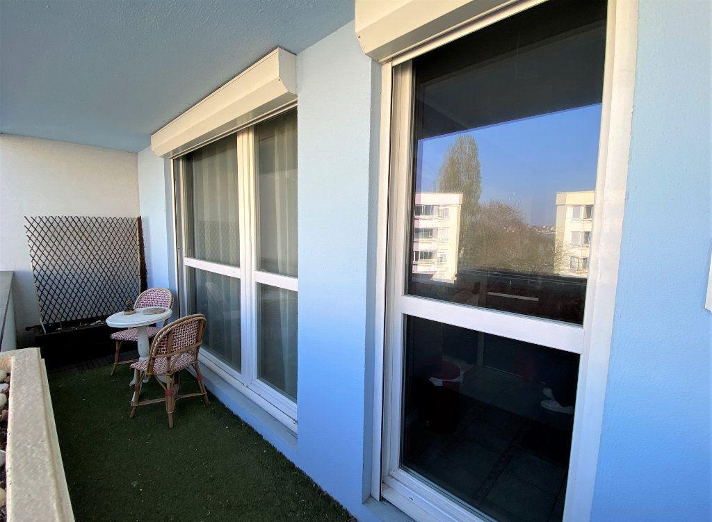 Appartement à vendre 3 71m2 à Compiègne vignette-6