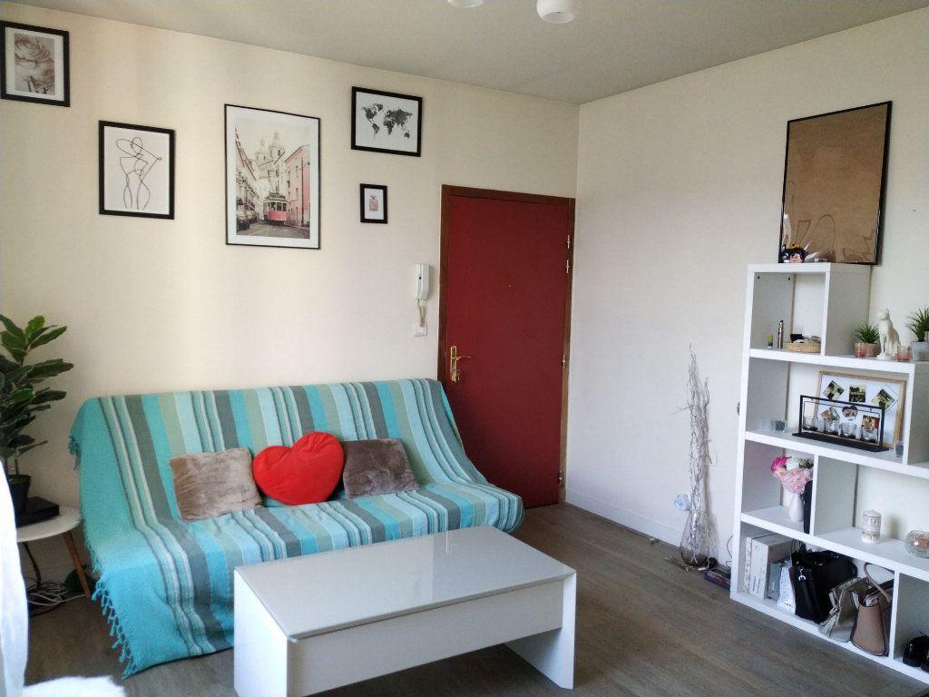 Appartement à louer 2 37.59m2 à Compiègne vignette-2
