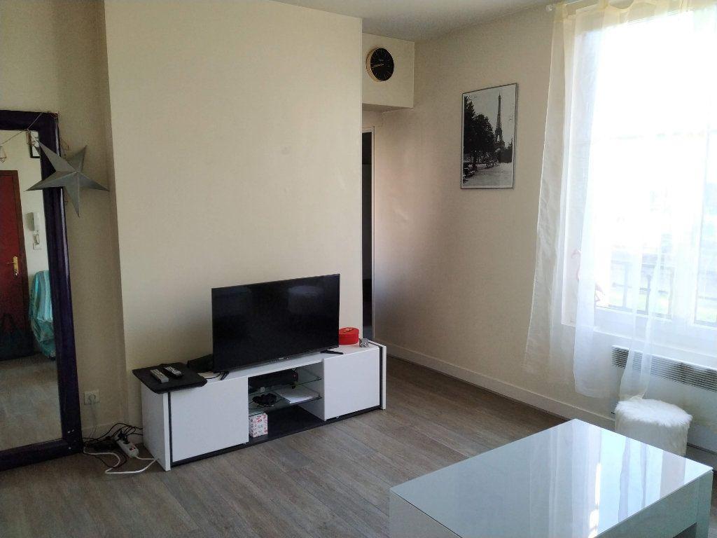 Appartement à louer 2 37.59m2 à Compiègne vignette-3