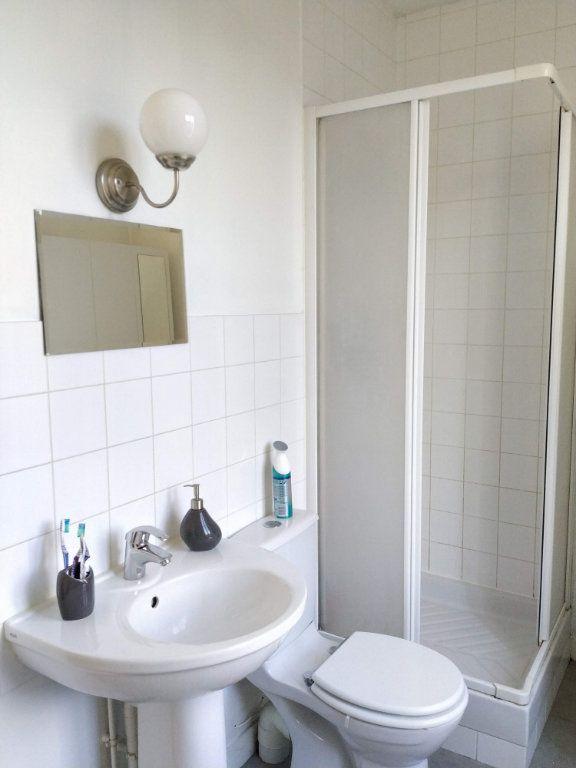 Appartement à louer 2 37.59m2 à Compiègne vignette-4